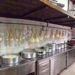 Εργαστήριο, Εξοχικό Κέντρο ο Πλάτανος. Δ φάση προπαρασκευή τυριού και μυζηθρα Πλατάνου