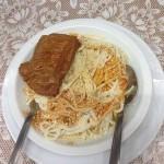 Εξοχικό κέντρο ο πλάτανος Μενού: Μοσχαράκι με μακαροναδα